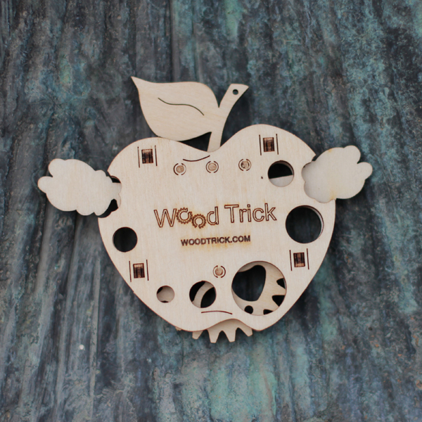 Wood-Trick-drewniane-modele-puzzle-3D-robaczek_3
