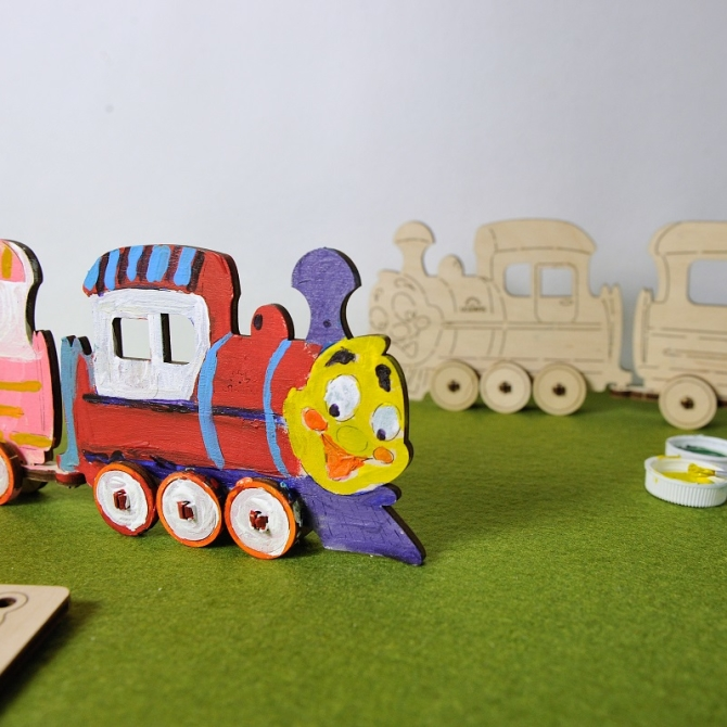 Ugears 4Kids coloring Locomotive Title Photo in Catalogue