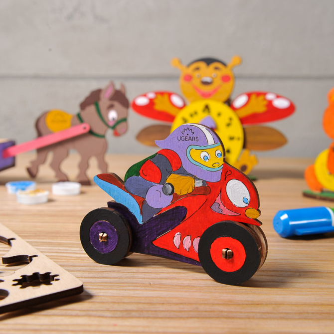 Ugears 4Kids coloring Motocyclist 9